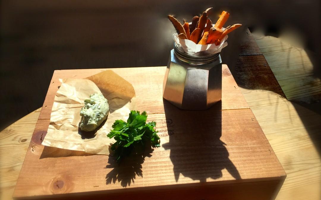 s kartoffelpommes mit einem leichten gurken minz dip neustadtfood. Black Bedroom Furniture Sets. Home Design Ideas